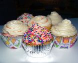 Vegan Vanilla Cupcakes with White Frosting