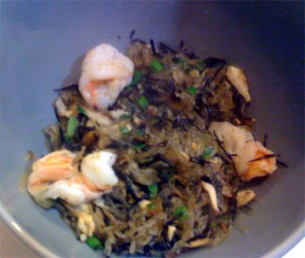 Cellophane noodles with shrimp, hijiki and shiitake