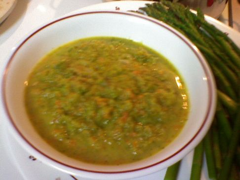 Easy, creamy asparagus veggie soup