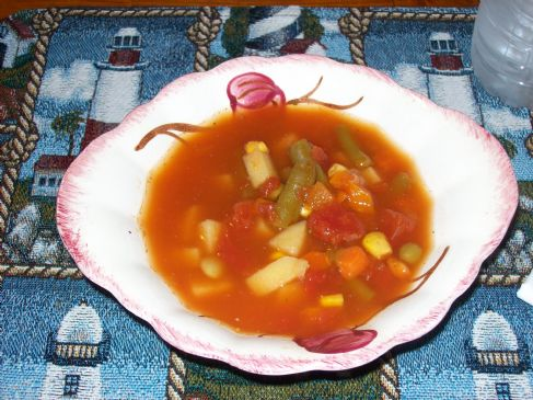 OLD FASHIONED HOMEMADE VEGETABLE SOUP