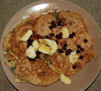 Protein Oatmeal Pancakes w/ Blueberries
