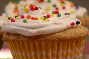 Cook Yourself Thin Vanilla Cupcakes (with revisions!)