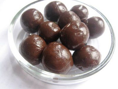Cocoa fudge balls
