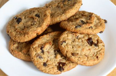 Image of Cherry Berry Oatmeal Holiday Cookies, Spark Recipes