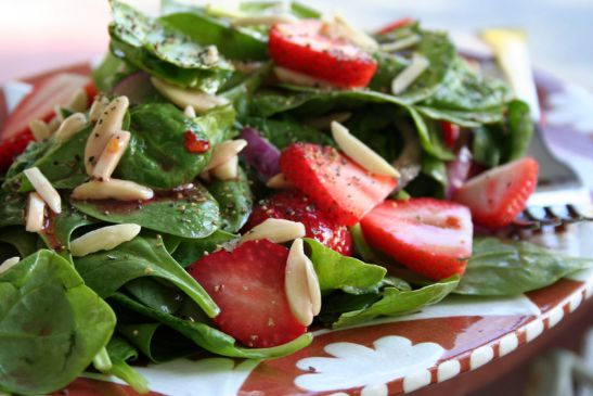 spinach, strawberry, and chicken salad Recipe | SparkRecipes