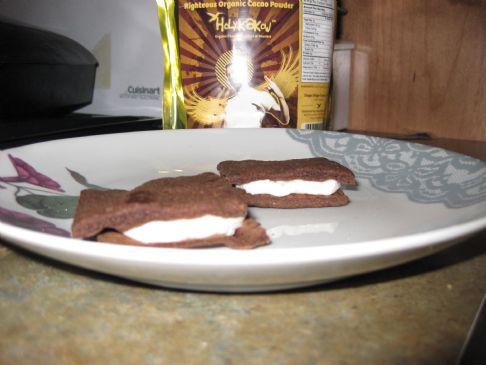 vegan cacao biscuit cookies with raw cashew cream