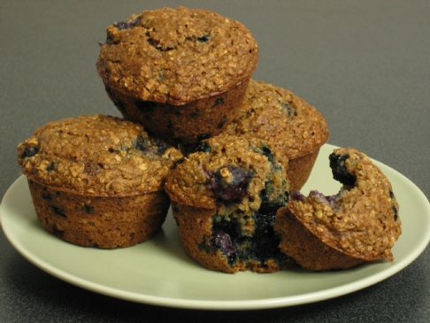 Applesauce oat berry muffins