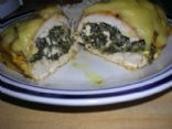 Spinach-stuffed chicken breast with hollandaise sauce