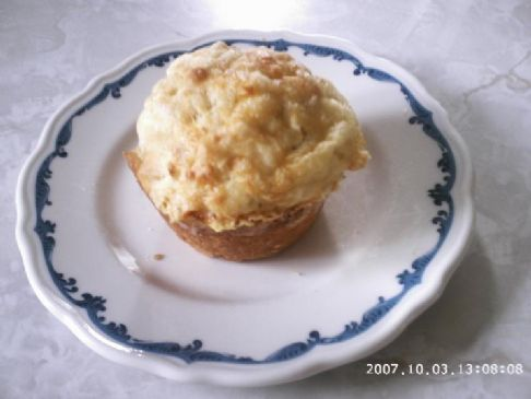 Apple and cheese muffins
