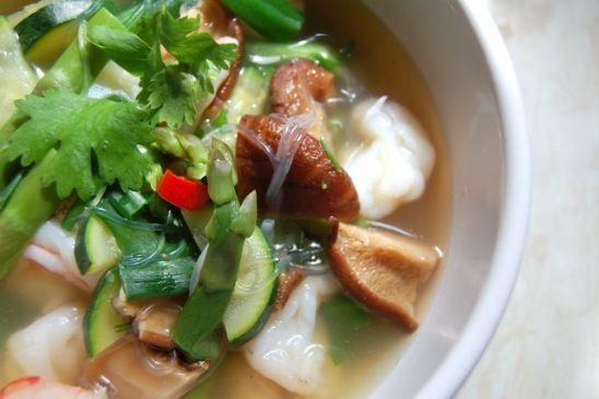 Bean thread noodle soup with prawns and vegetables