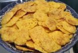 CRISPY CHEESE CRACKERS